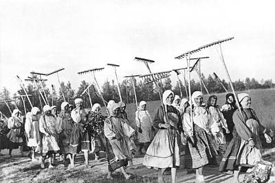 Collective Photograph - Russian Women Go To The Fields by Underwood Archives