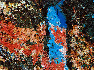 Abstrakt Photograph - Rust - Red And Blue Abstract by Matthias Hauser