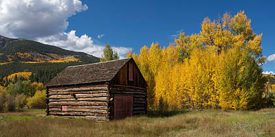 House On The Hill Photograph - Rustic Barn In Autumn by Aaron Spong