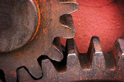 Rusty And Metallic Gear Wheel Print by Mikel Martinez de Osaba