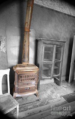 Old House Photograph - Rusty Stove by Cheryl Young