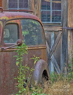 Photograph - Rusty Vintage Ford Panel Truck by Liane Wright