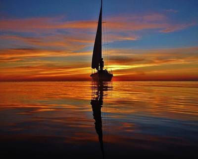 Sailing Perfection 19 7/5 Print by Mark Lemmon