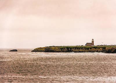 Surfing Photograph - Santa Cruz Lighthouse by Jon Woodhams