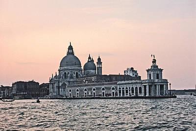 Santa Maria Della Salute Venice Print by Tom Wurl