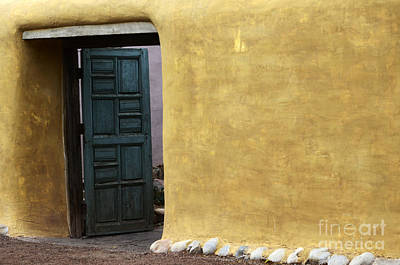 Sante Fe Photograph - Sante Fe Entryway by Bob Christopher
