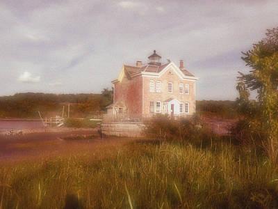 Saugerties Photograph - Saugerties Lighthouse by Gina Bartosiewicz