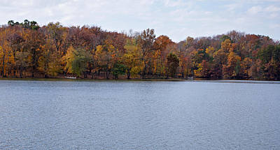 Scales Lake In Autumn Print by Sandy Keeton