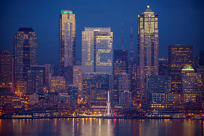 Linked Photograph - Seahawks 12th Man Seattle Skyline At Dusk by Mike Reid