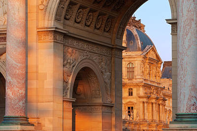 Setting Sunlight On Arch De Triomphe Du Print by Brian Jannsen