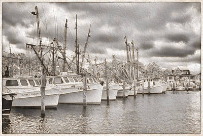 Shrimpers On Harker's Island Print by Cindy Archbell