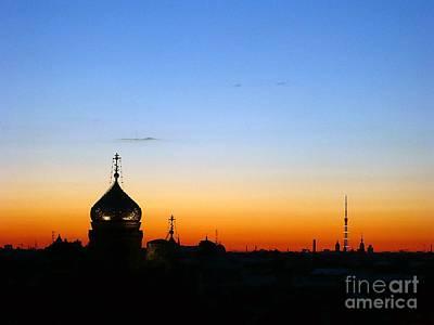Silhouette In St. Petersburg Print by Lars Ruecker