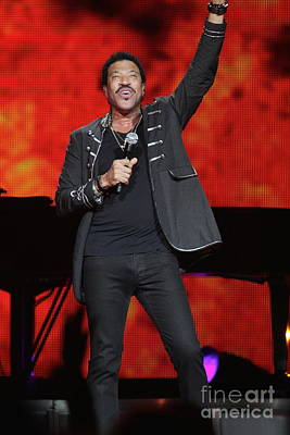 Photograph - Singer Lionel Richie by Concert Photos