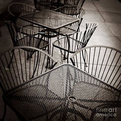 Tennessee Photograph - Sit And Eat In Memphis Tennessee by T Lowry Wilson