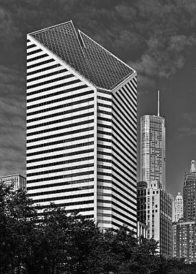 City Skyline Photograph - Smurfit-stone Chicago - Now Crain Communications Building by Christine Till