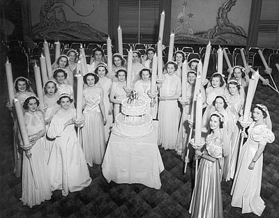 Evening Gown Photograph - Society Girls At Birthday Ball by Underwood Archives