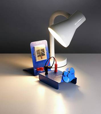 Table Lamp Photograph - Solar Cell Experiment by Science Photo Library