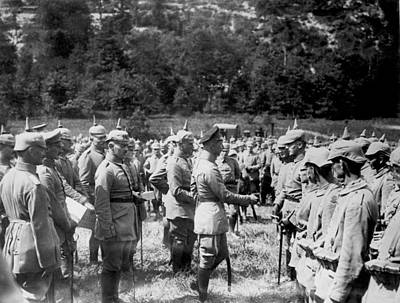 1916 Photograph - Soldiers Receive Iron Crosses by Underwood Archives