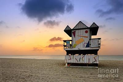 South Beach 1 Print by Rod McLean