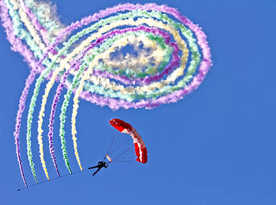 Gliding Photograph - Spiro by Thomas T.