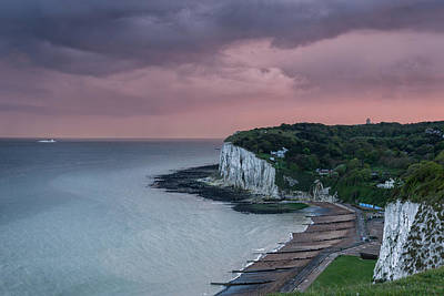 St Margarets Bay Dover Print by Ian Hufton