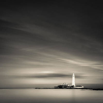 St. Mary's Lighthouse Print by Dave Bowman