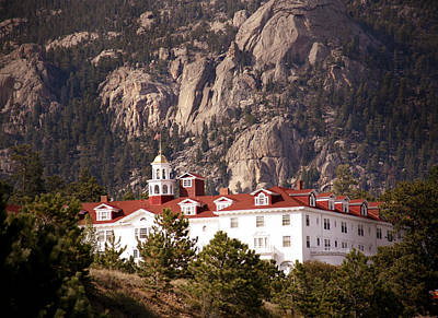Mountains Photograph - Stanley Hotel Estes Park by Marilyn Hunt