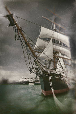 Pirate Ship Photograph - Star Of Inda Bow First by Scott Campbell