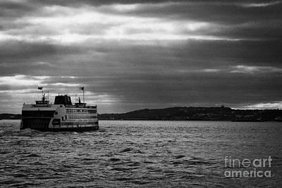 staten island ferry Andrew J Barberi heading towards staten island new york Print by Joe Fox