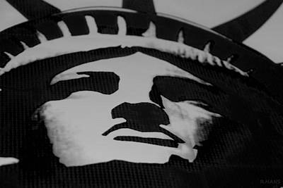 Statue Of Liberty In Black And White Print by Rob Hans