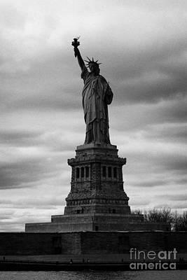 Statue Of Liberty New York City Print by Joe Fox