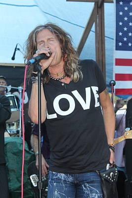 Aerosmith Photograph - Steven Tyler Sings by Patricia Abbate