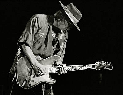 Fender Strat Photograph - Stevie Ray Vaughan 1984 by Chuck Spang