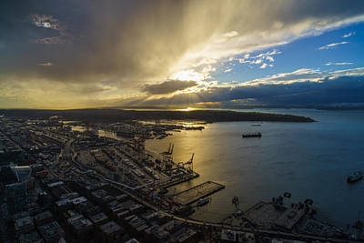 Seattle Photograph - Stormy Night Sunstar by Mike Reid