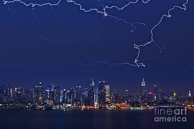 Strikes And Bolts In Nyc Print by Susan Candelario
