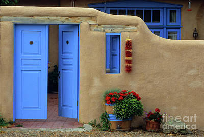 Sante Fe Photograph - Styling In Taos by Bob Christopher