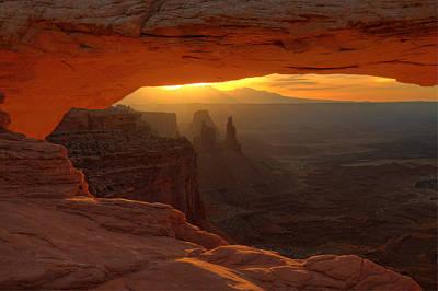 Sunrise At Mesa Arch 2 Print by Alan Ley