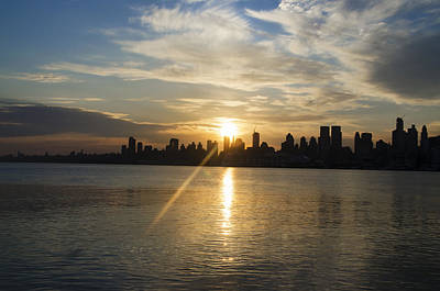 Harlem Digital Art - Sunrise On The Big Apple by Bill Cannon