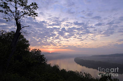 Indiana Landscapes Photograph - Sunrise On The Ohio - D002783a by Daniel Dempster