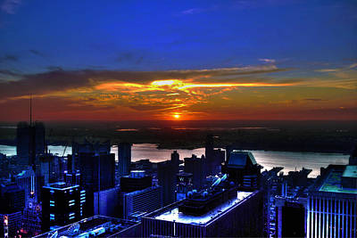 Sunset From The Empire State Building Print by Randy Aveille