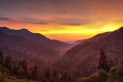 Sunset In The Mountains Print by Andrew Soundarajan