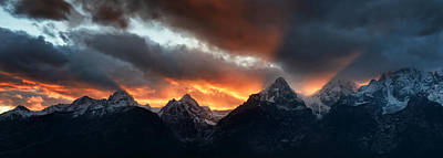 Night Workshop Photograph - Sunset Light Rays From The Tetons by Mike Berenson