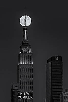 Super Moon In An Empire State Of Mind Bw Print by Susan Candelario