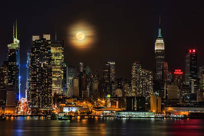 Super Moon Over Nyc Print by Susan Candelario