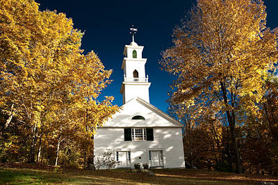 Sutton Photograph - Sutton Metting House Surrounded By Golden Fall Foliage by Jeff Folger