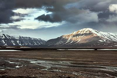 Svalbard Mountains Print by Paul Williams