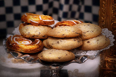 Mikesavad Photograph - Sweet - Cookies - Cookies And Danish by Mike Savad