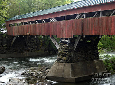 Taftsville Photograph - Taftsville Covered Bridge by John Greco
