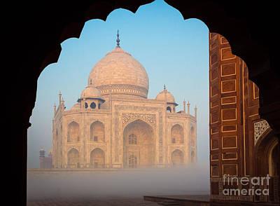 Taj Mahal Dawn Print by Inge Johnsson