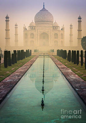 Arches Memorial Photograph - Taj Mahal Predawn by Inge Johnsson